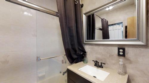 3J5BPkUWe9T - Bathroom 3